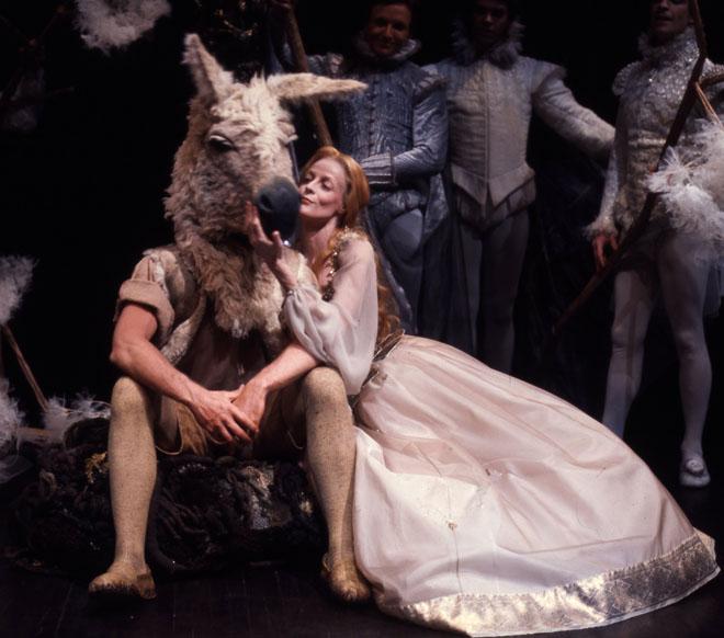 comparison shakespeare s midsummer night s dream goldsmith